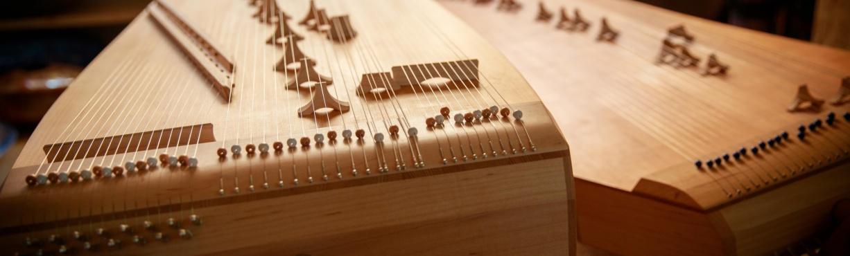 Kotamos and monochords