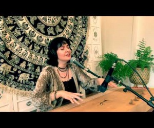 Monochord LENA with vocal
